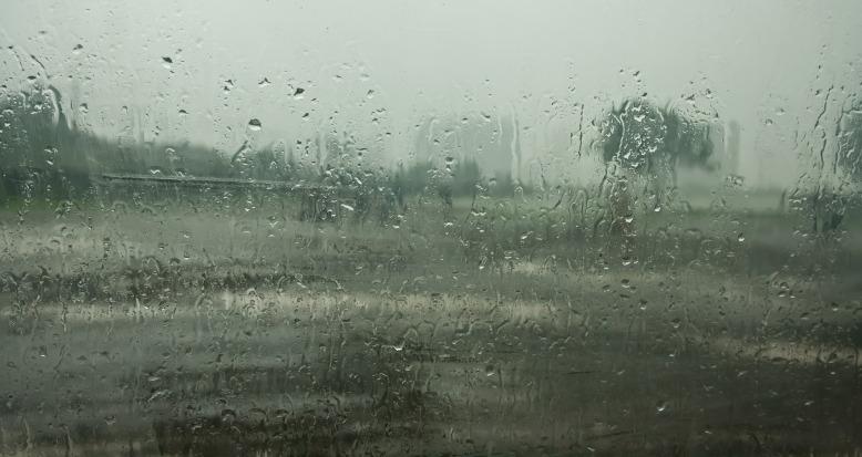 monsoon-390944_1920